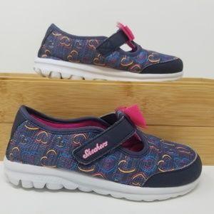 EUC Skechers Girl's Shoes - 12 US a6C